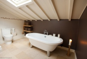 Escape to the country and the roll top bath at Spring Cottage